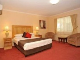 McNevins Maryborough Motel - Australia Accommodation