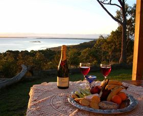 Island View Spa Cottage - Australia Accommodation