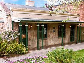 Chichester Gardens Cottage - Australia Accommodation