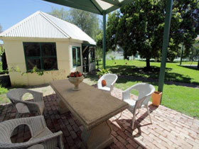 Peppercorns Bed and Breakfast - Australia Accommodation