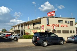 A & A Lodge Motel