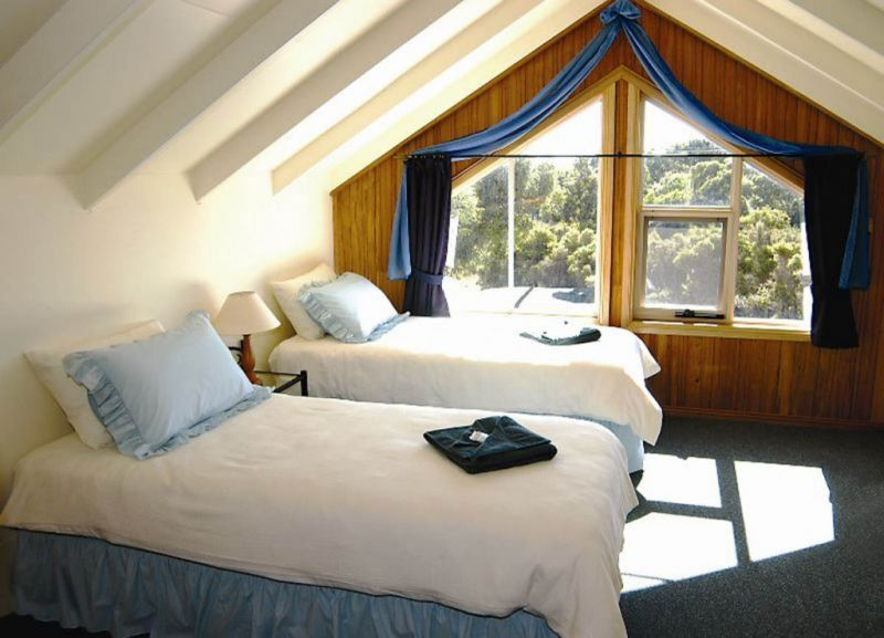 Arties Cottage Accommodation - Australia Accommodation