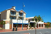 Beachside Apartment Hotel - Australia Accommodation
