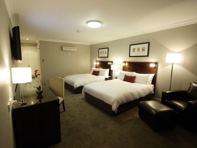 Carlyle Suites  Apartments - Australia Accommodation