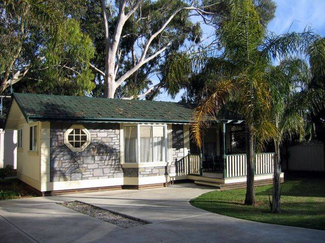 Highway 1 Caravan  Tourist Park - Australia Accommodation