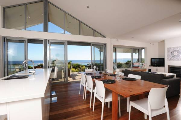 Island Beach Escape - Beachcomber - Australia Accommodation