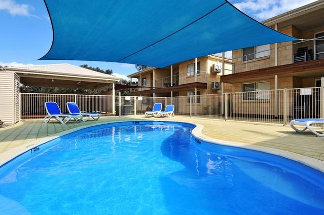 Lakeside Holiday Apartments - Australia Accommodation