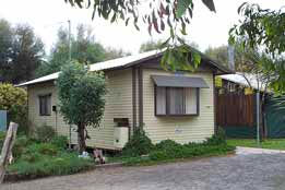 Riverside Host Farm - Australia Accommodation