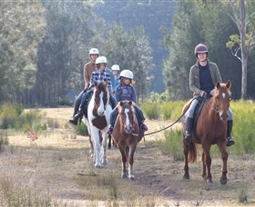 Horse Riding at Oaks Ranch and Country Club - Australia Accommodation