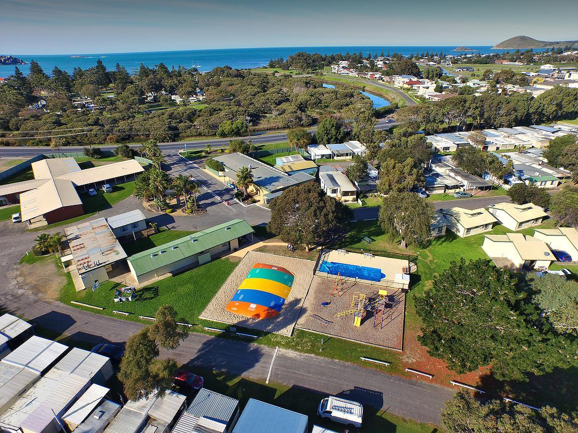 Victor Harbor Holiday  Cabin Park - Australia Accommodation