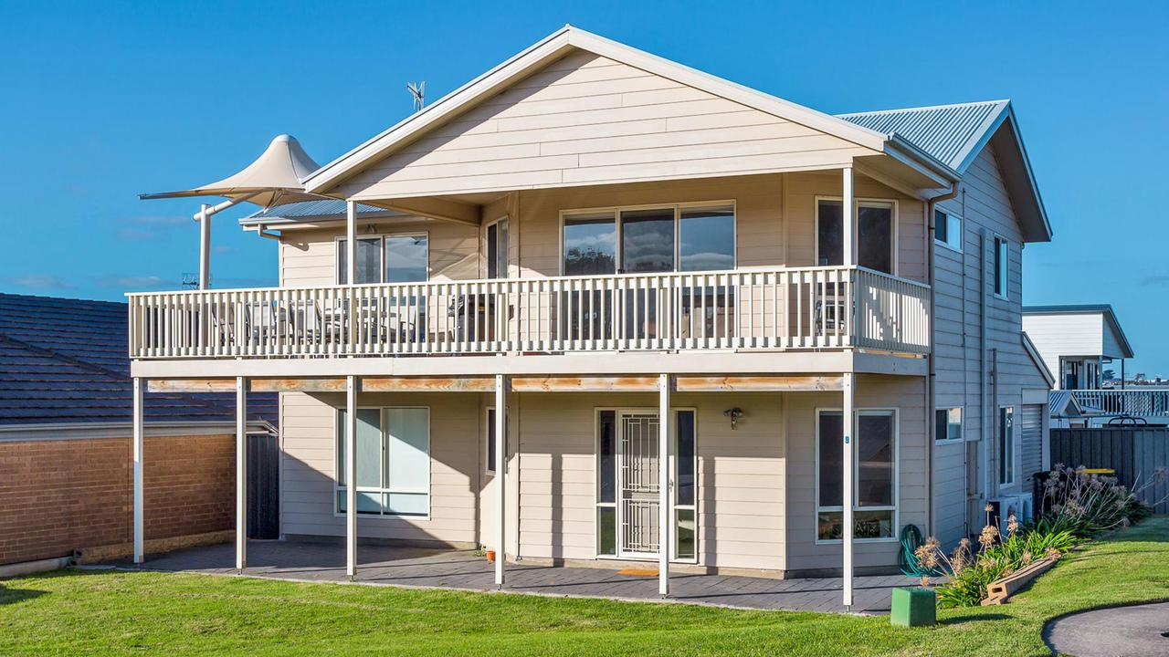 Rocks Beach House Victor Harbor - Australia Accommodation