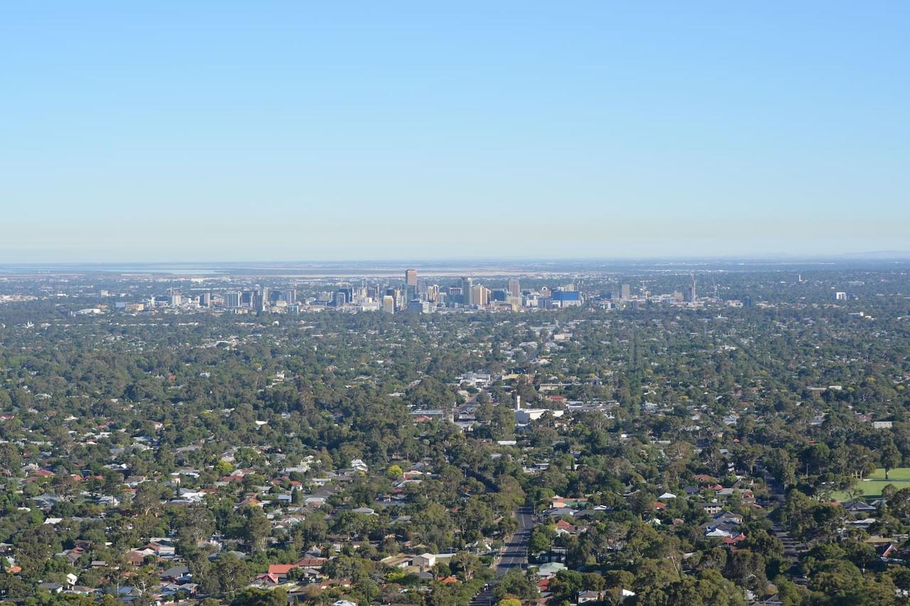 Kingsview Belair Apartment Grand Views of Adelaide - Australia Accommodation