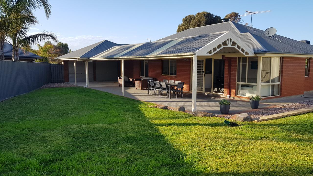 Aldinga Beach overnighter or getaway home - Australia Accommodation
