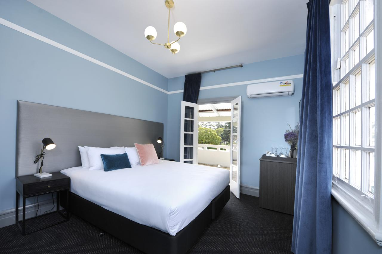The Stirling Arms Hotel - Australia Accommodation