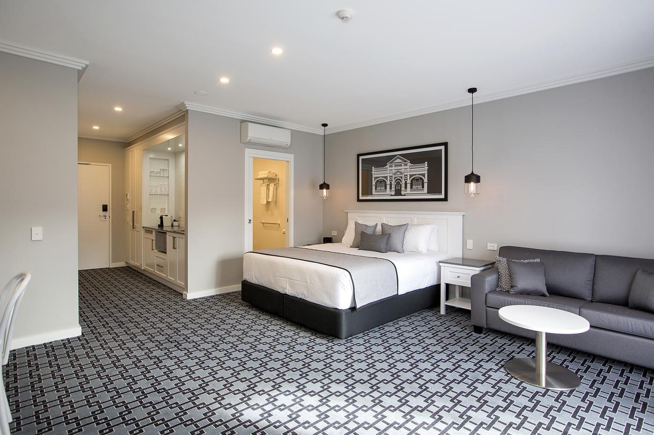 CH Boutique Hotel - Australia Accommodation