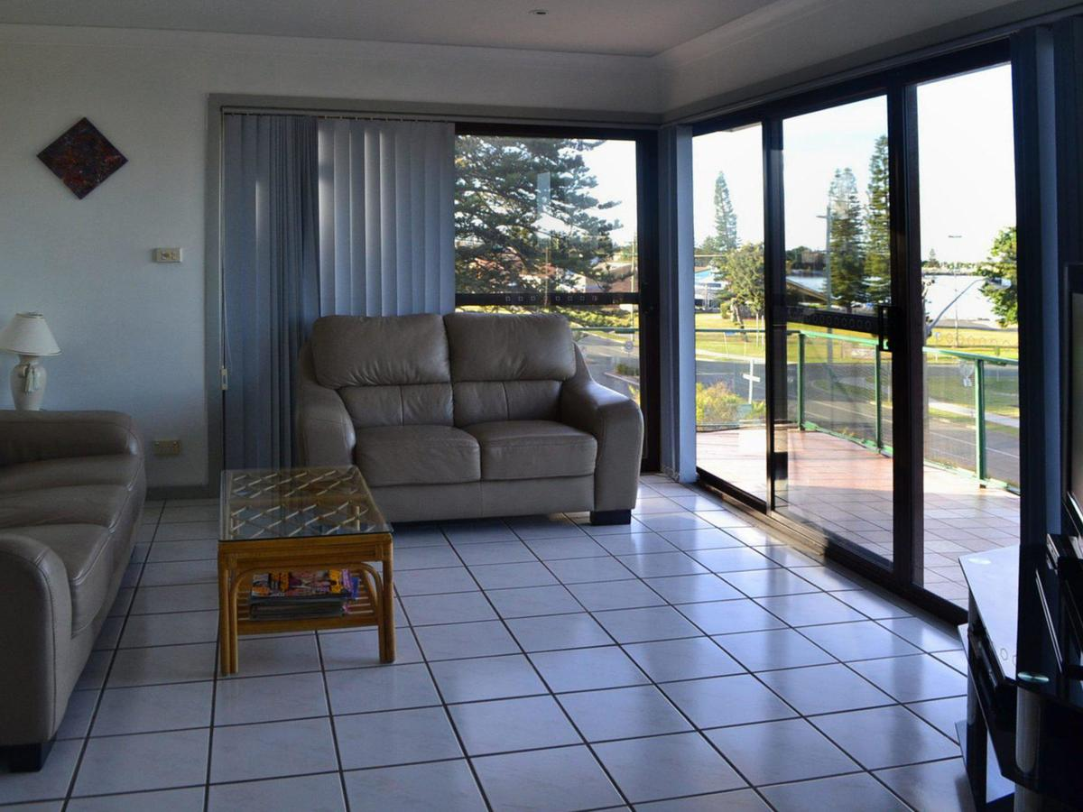 Oxley 8 at Tuncurry - Australia Accommodation
