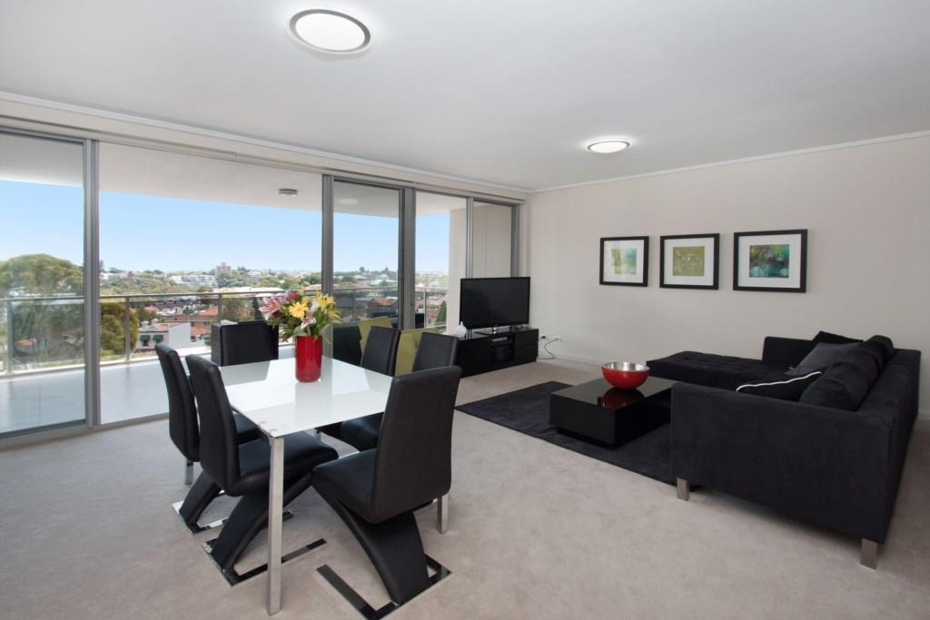 The Junction Palais - Modern and Spacious 2BR Bondi Junction Apartment Close to Everything - Australia Accommodation