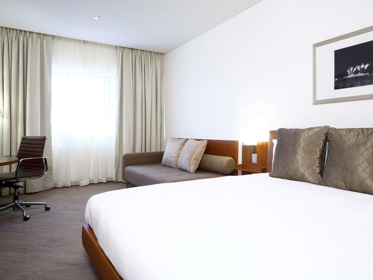 Novotel Canberra - Australia Accommodation