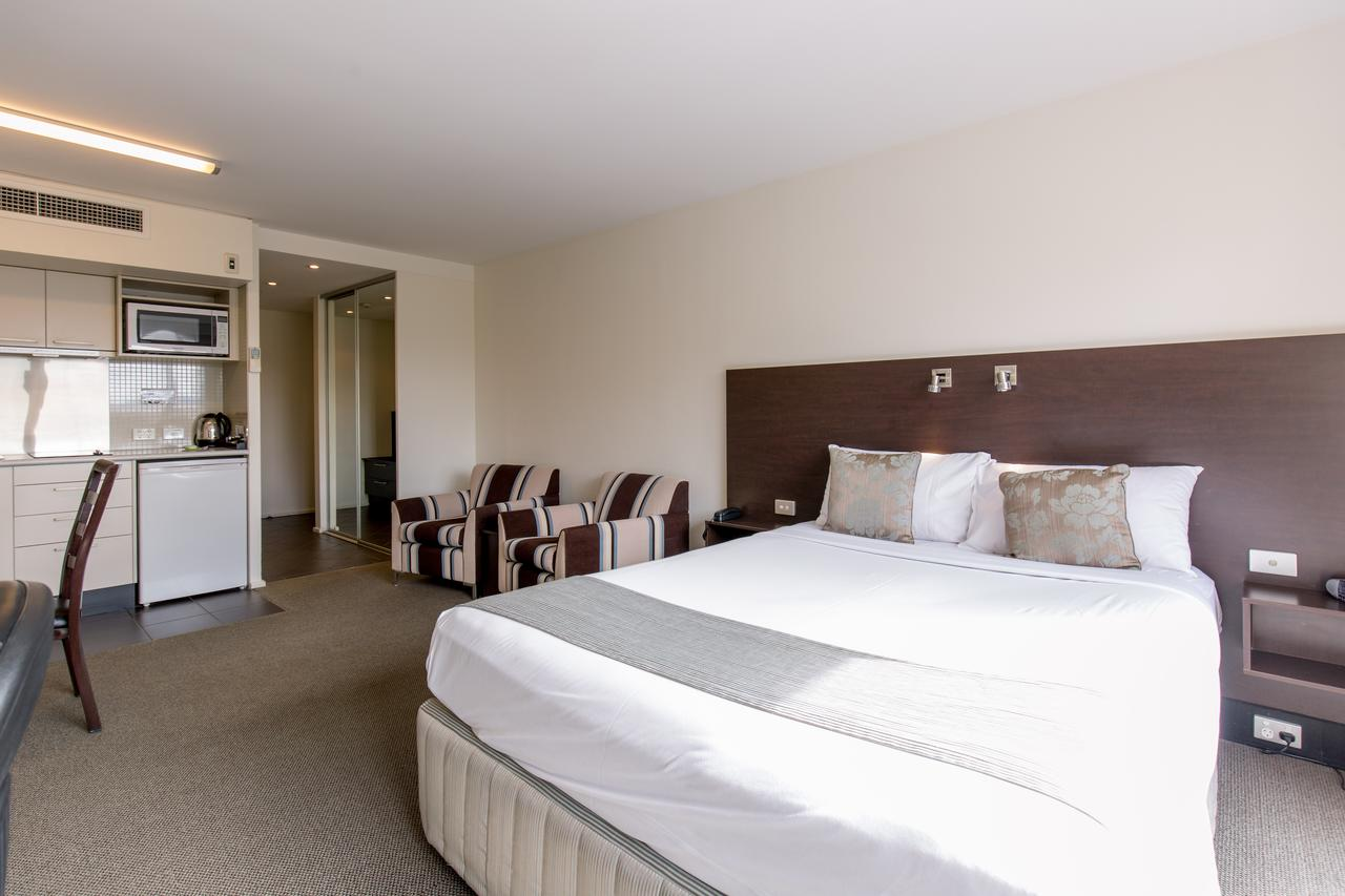 St Ives Motel Apartments - Australia Accommodation