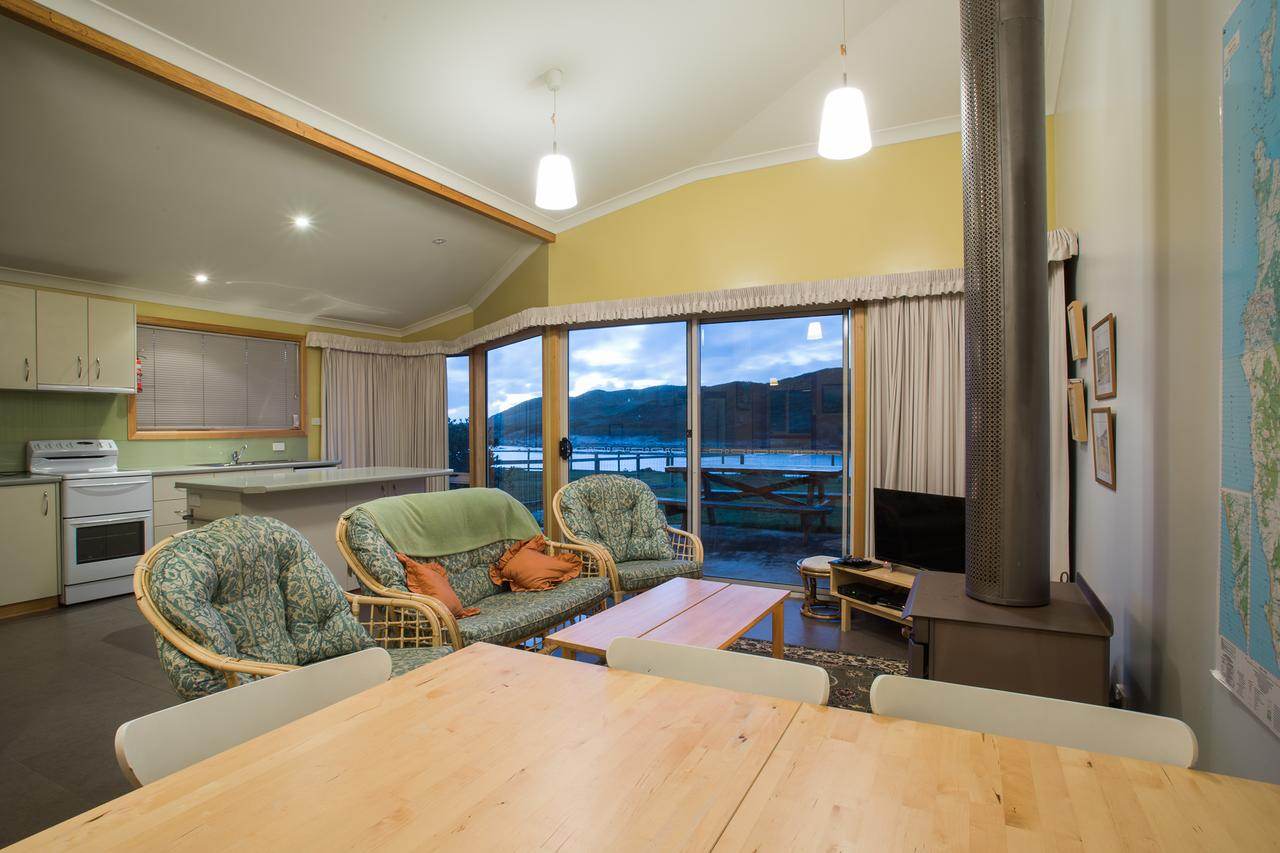 Arthur Riverfront and Sea Lodge downstream - Australia Accommodation