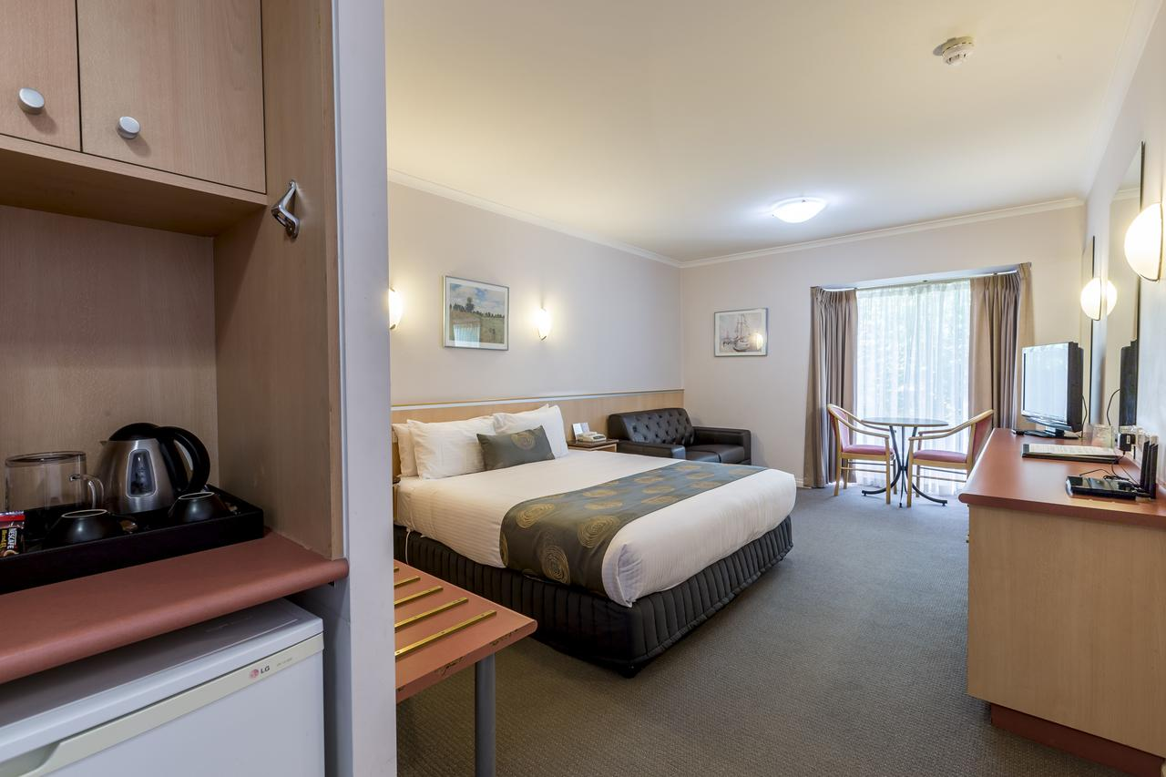 The Waverley International Hotel - Australia Accommodation