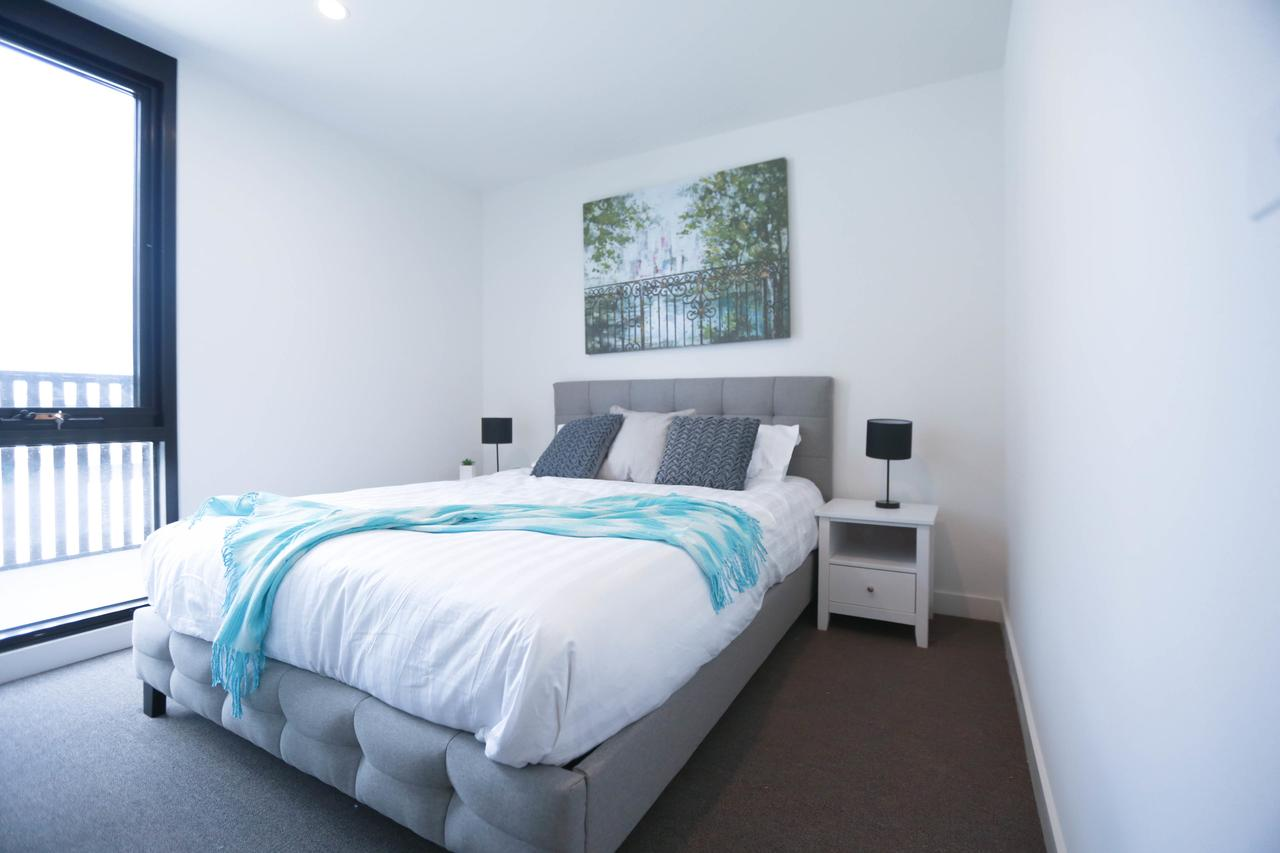 Box Hill 2 Bedroom Apt La Maison 02 - Australia Accommodation