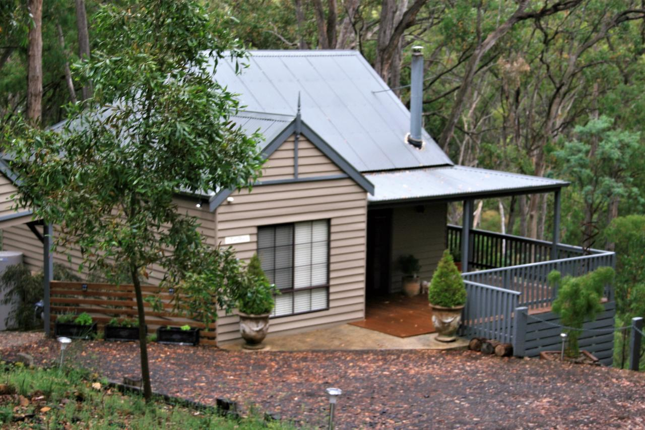 Tangenong Cottages - Australia Accommodation