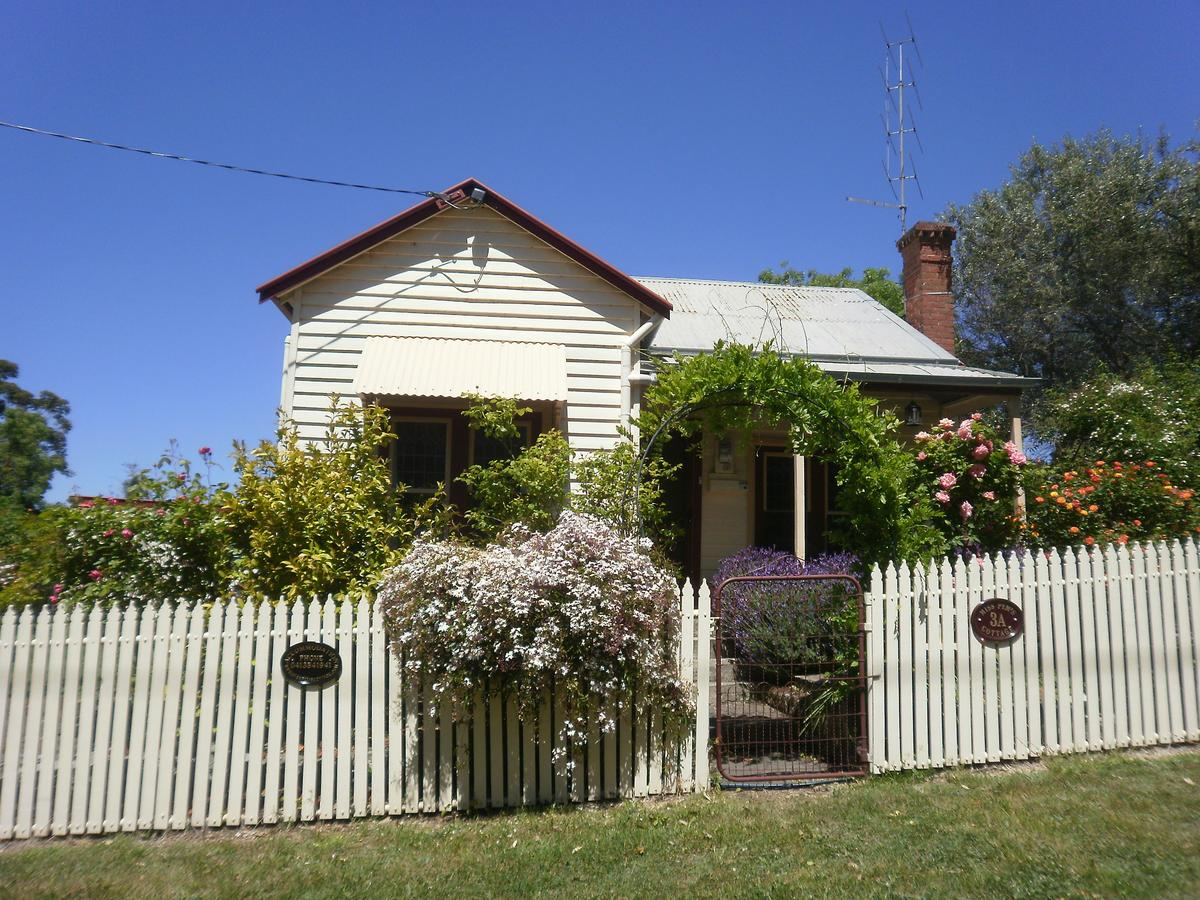 Miss Pym's Cottage - Australia Accommodation