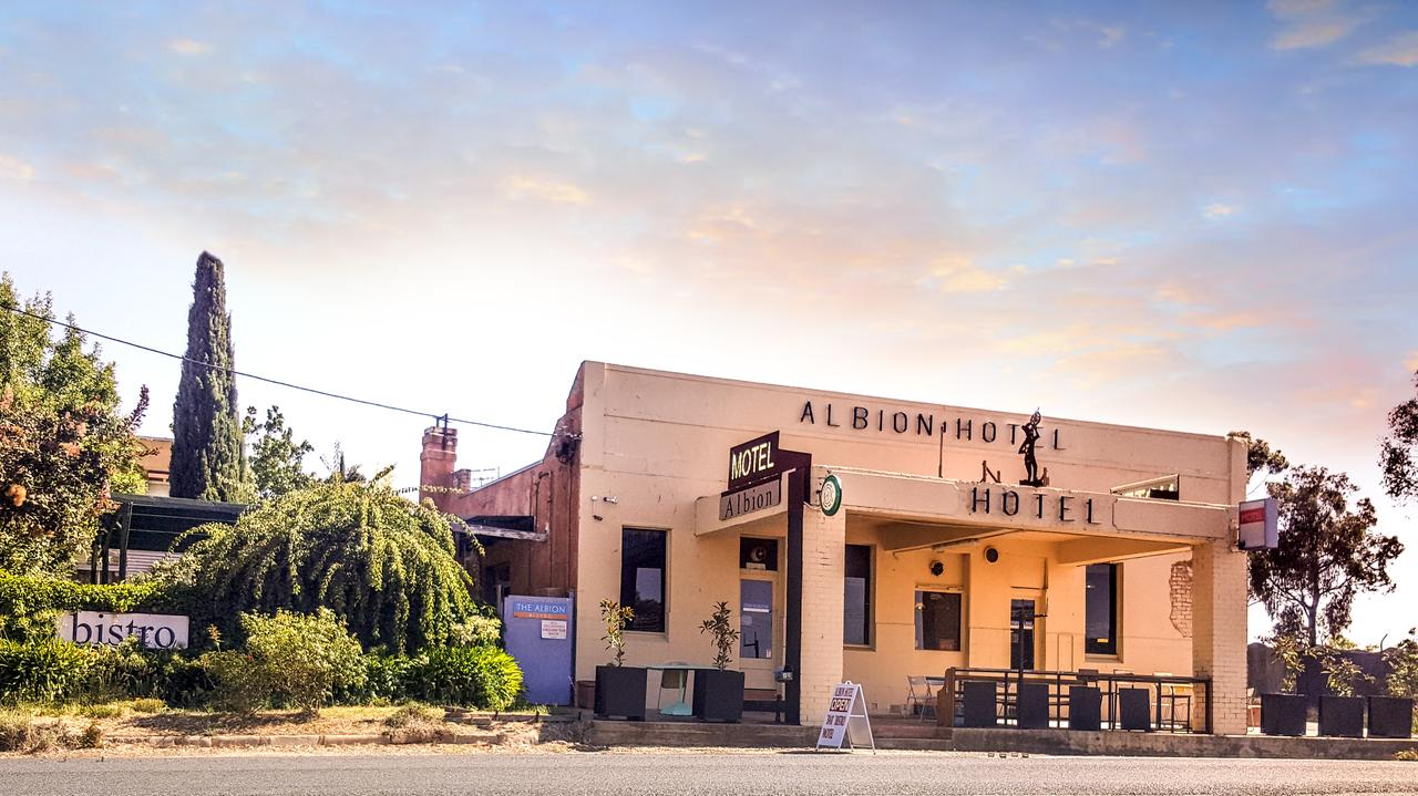 Albion Hotel and Motel Castlemaine - Australia Accommodation