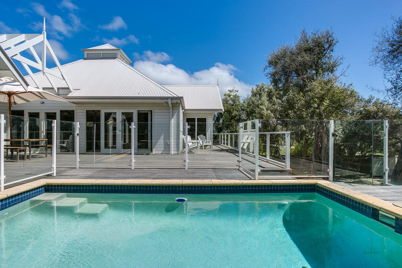 Perfect Blairgowrie Beach House - Australia Accommodation
