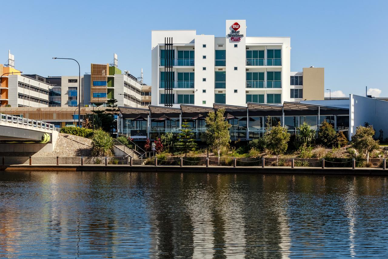 BEST WESTERN PLUS Lake Kawana Hotel - Australia Accommodation
