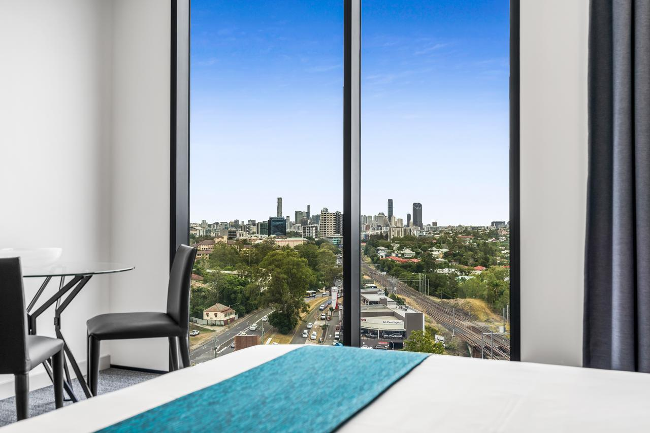 Essence Suites Taringa - Australia Accommodation