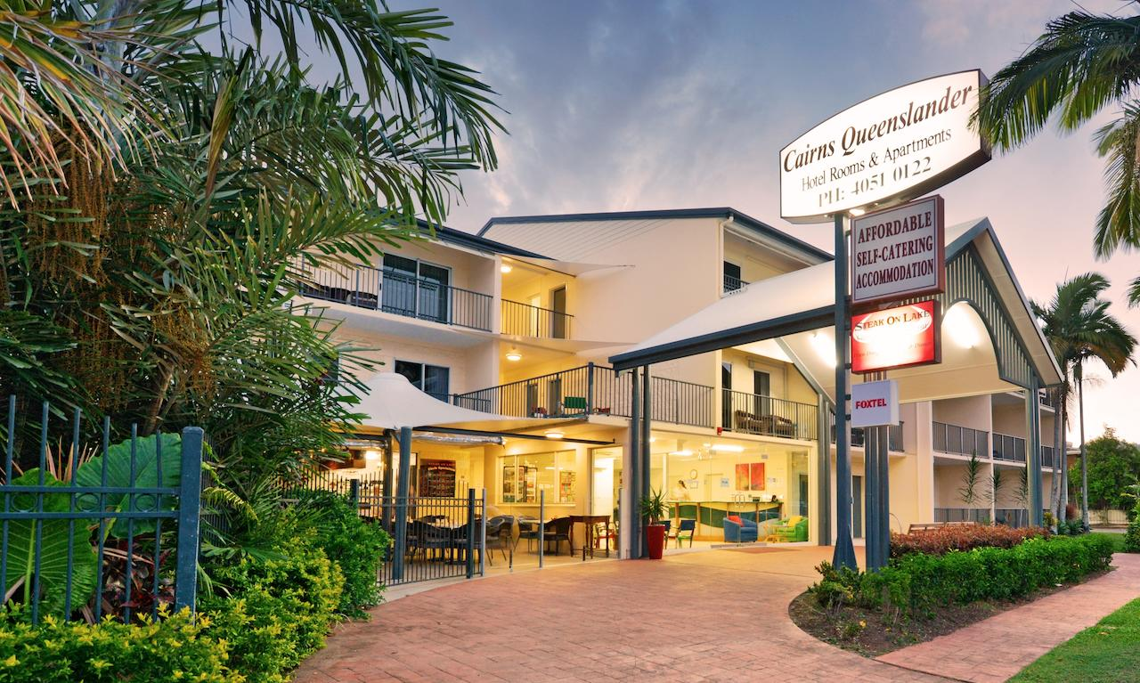 Cairns Queenslander Hotel  Apartments - Australia Accommodation