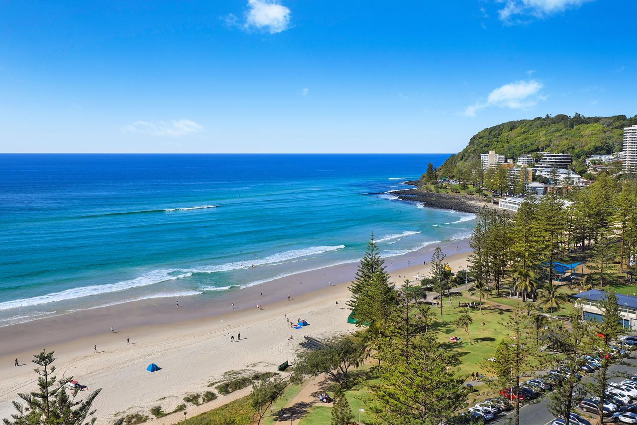 Pacific Regis Beachfront Holiday Apartments - Australia Accommodation