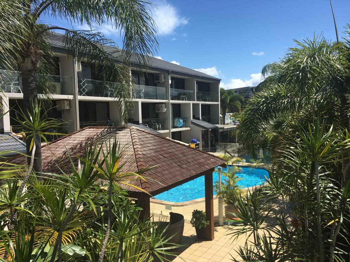 Burleigh Palms Holiday Apartments - Australia Accommodation