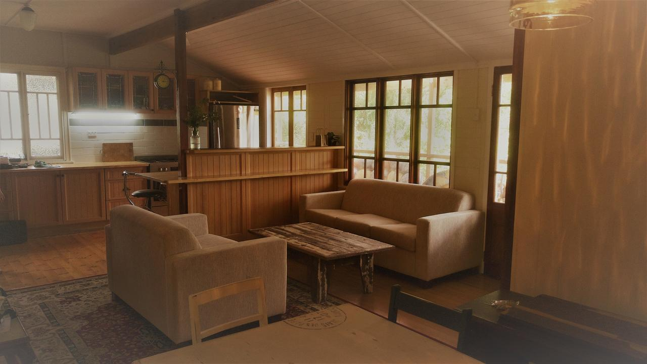 Boonah Cottage - Australia Accommodation