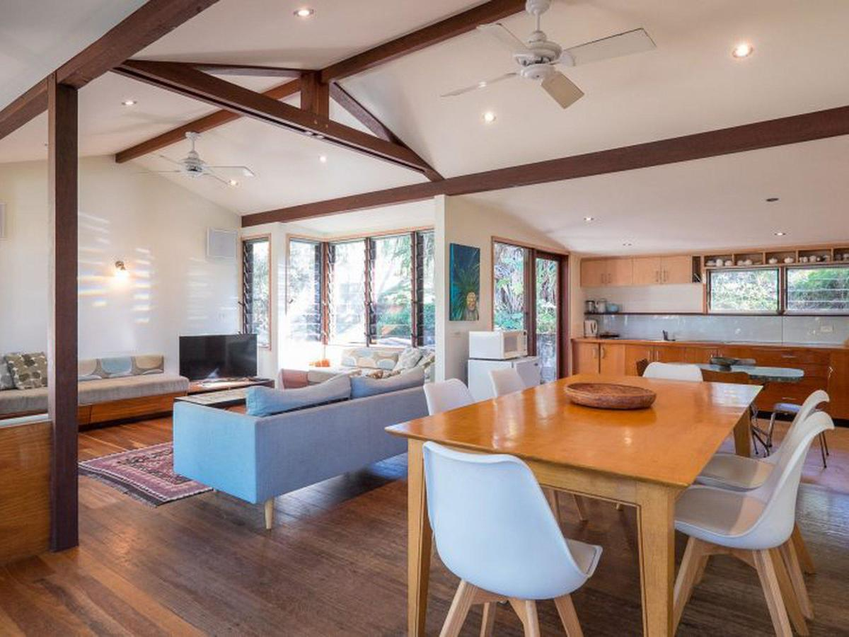 Laguna House - Australia Accommodation