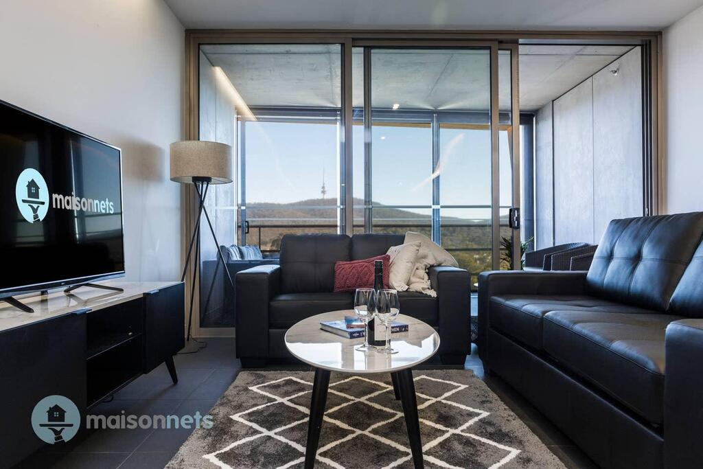 1 Bedroom Apt With Parking Walk to ANU - Australia Accommodation