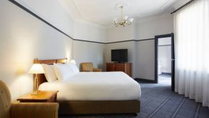 Brassey Hotel - Australia Accommodation