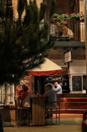 Whisper Wine Bar - Australia Accommodation