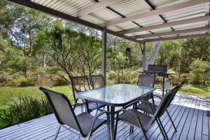 Wildwood - Pet Friendly - 5 Mins to Beach - Australia Accommodation