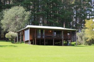 Hawke Brook Chalets - Australia Accommodation