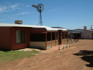 Bindoon's Windmill Farm - Australia Accommodation